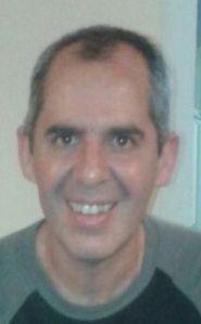 Gustavo Esposo de Florencia, encargado de la publicidad y las ventas.